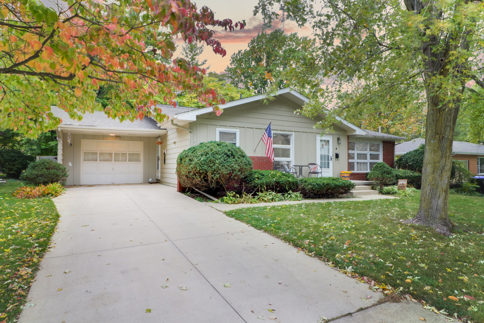 4 Foley Ave,           Bloomington, IL 61701-SOLD!