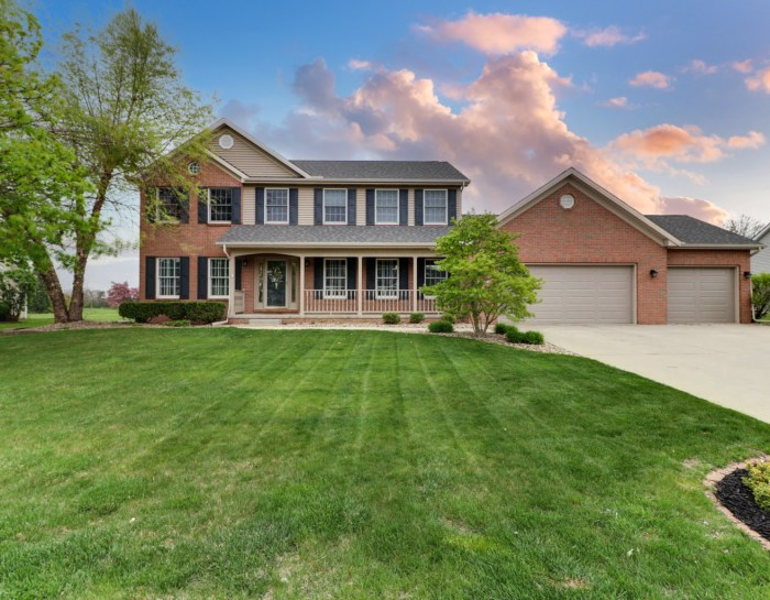 507 Whispering Pines, Normal, IL 61761