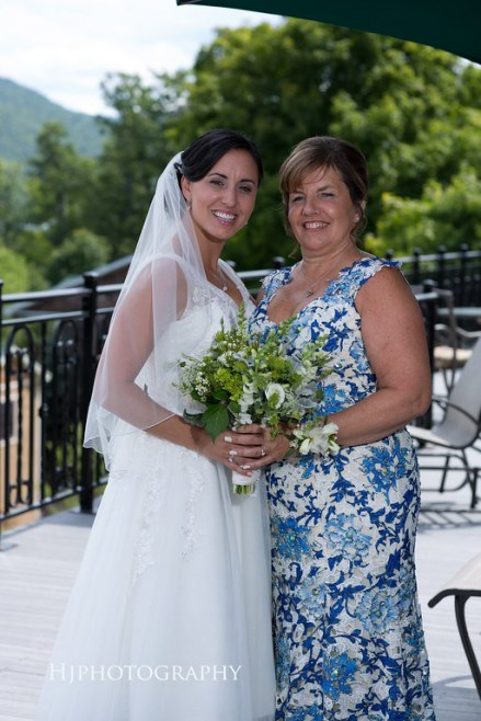 brideandmothergreenbouq