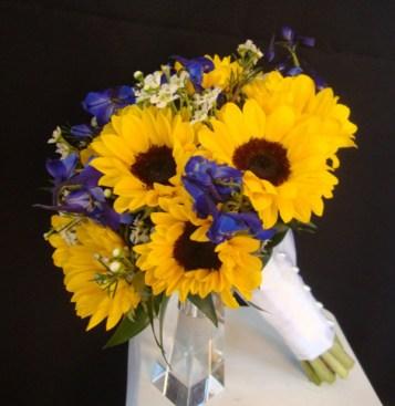 sunflowerwithpurplebouquetandvase