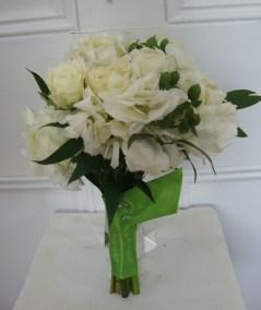 whitebouquetgreenribbon