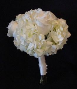 whiteroseandhydrangeasmallbouquet
