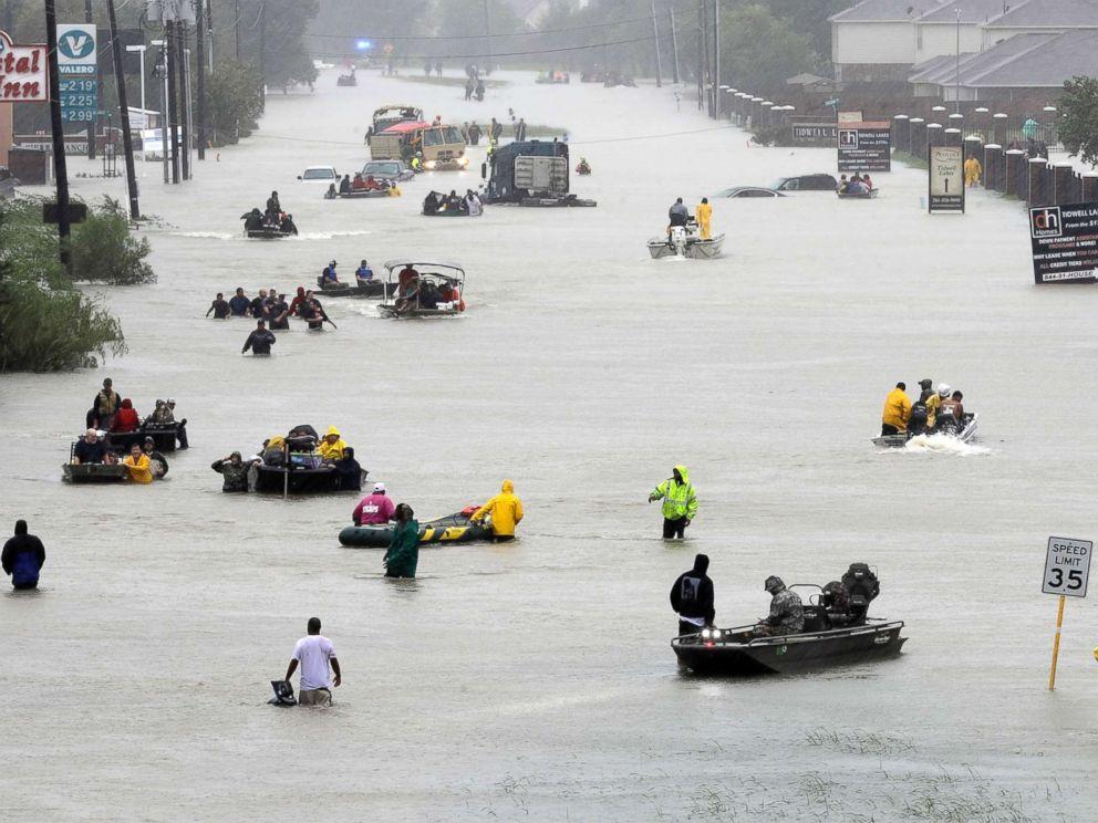 hurricane-harvey-houston-street-ap-ps-170828_4x3_992[1]