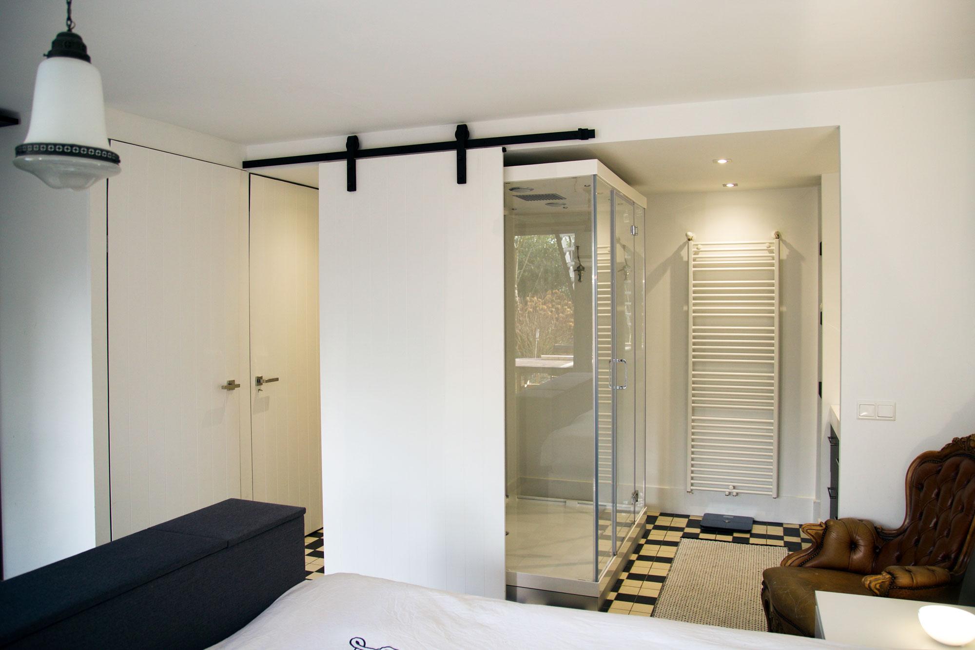 slaapkamermetbadkameringeel  Blos Interieur