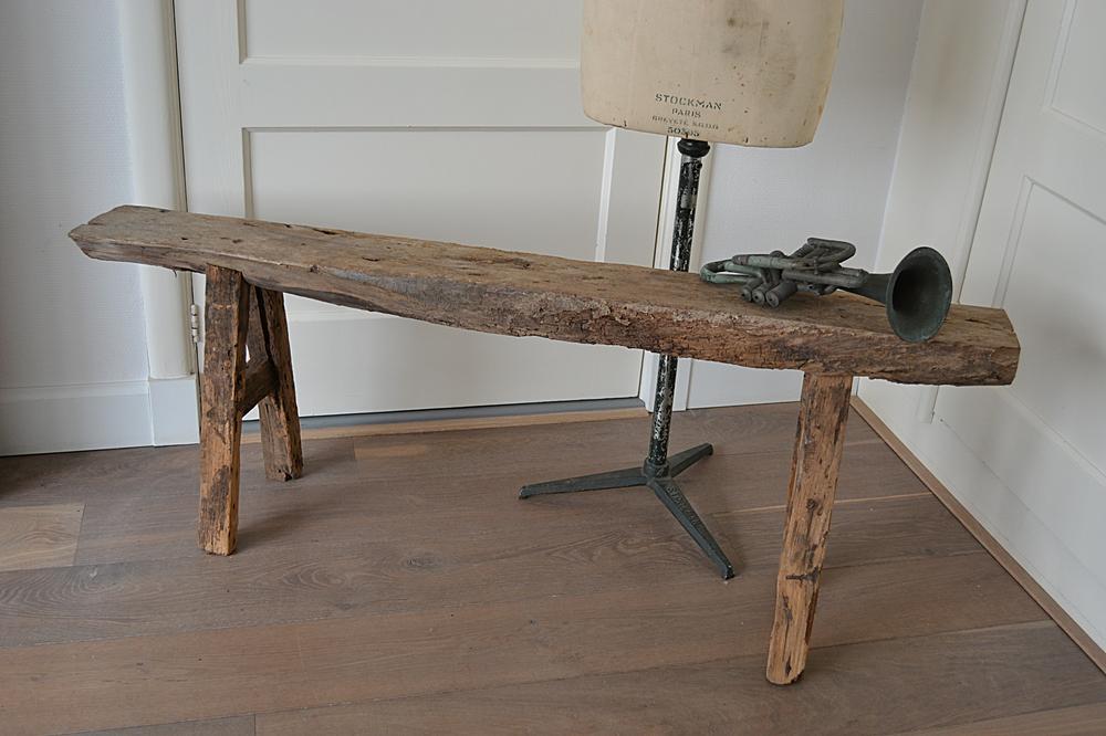 Robuust houten bankje  wwwblossombrocantenl