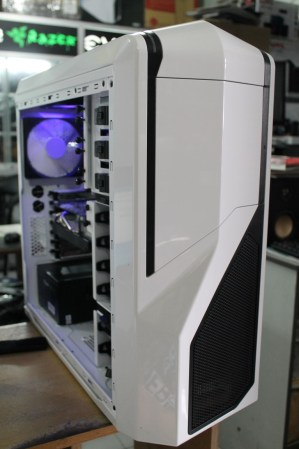 Blossom's Project NZXT Phantom 410