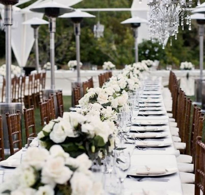 15 Outdoor Wedding Ideas That Are Totally Genius: Beautiful Outdoor Elegant White Wedding
