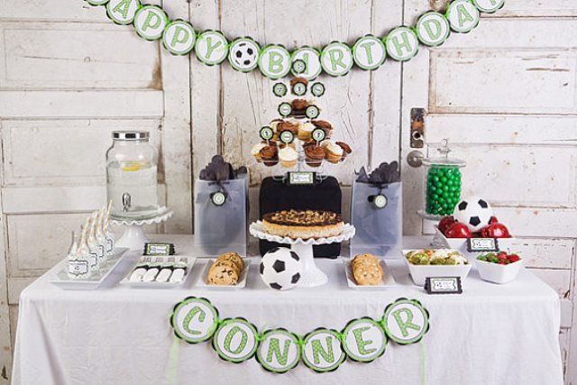 Love this soccer party food table