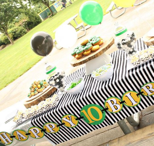 Soccer Party Food Table-Love the stripes and polka dots
