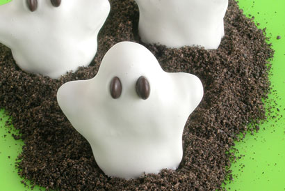 Super cute DIY ghost cookies