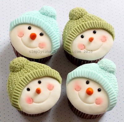 Amazingly cute snowman cupcakes