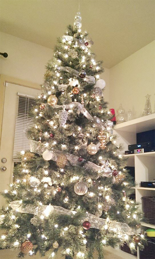 Christmas countdown day 1 christmas trees b lovely events for White silver and gold christmas tree