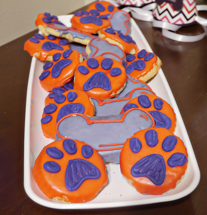 love these cookies for a dog party- B. Lovely Events