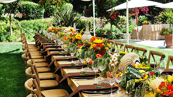 We Heart Outdoor Dinner Parties! B Lovely Events