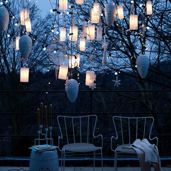 These Lanterns Create Such A Dramatic Look!