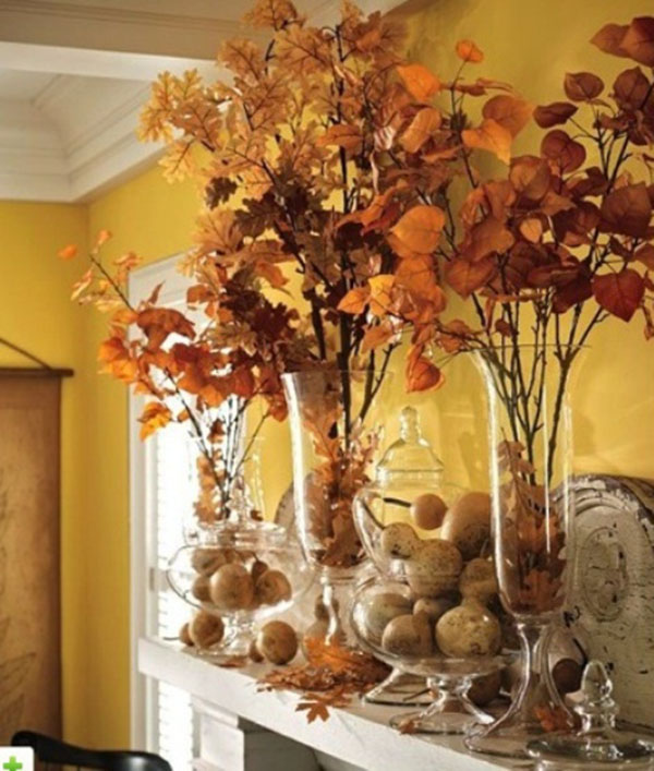 These fall leafs totally make this mantle lovely