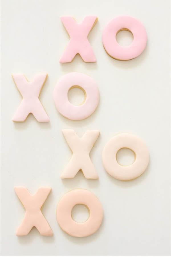 Ombre xoxo Valentine cookies