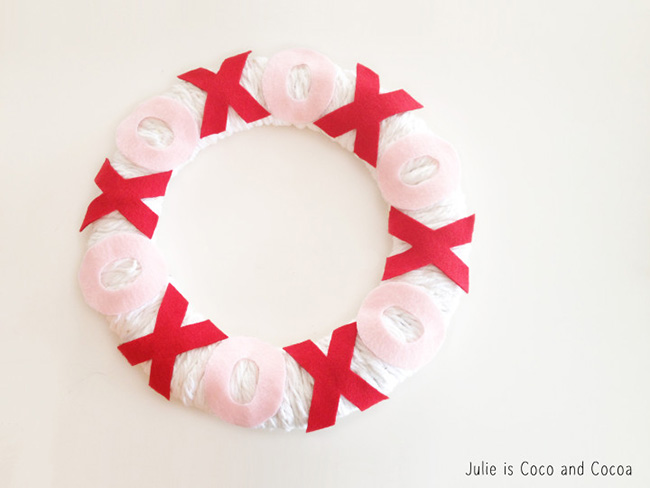 Xoxo Valentine wreath- so cute!