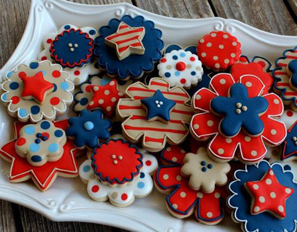 Adorable 4th Of July Flower Cookies!