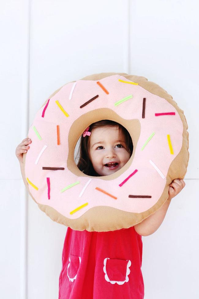 Darling Doughtnut Pillow For Doughnut Day!