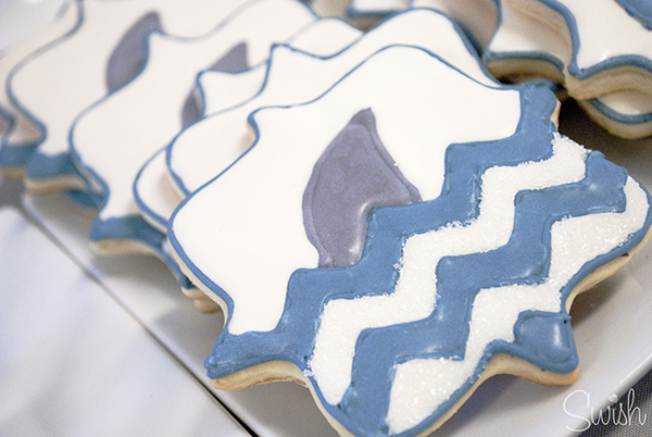 Look how cute these chevron cookies with darling little sharks on it!