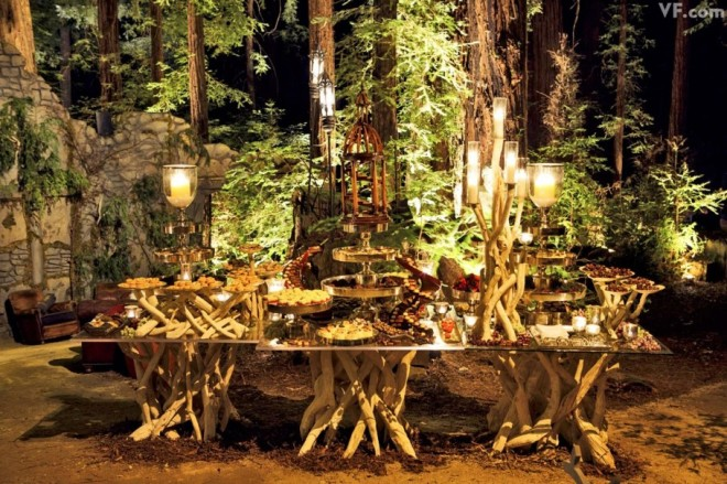 LOVE this woodland wedding dessert table!