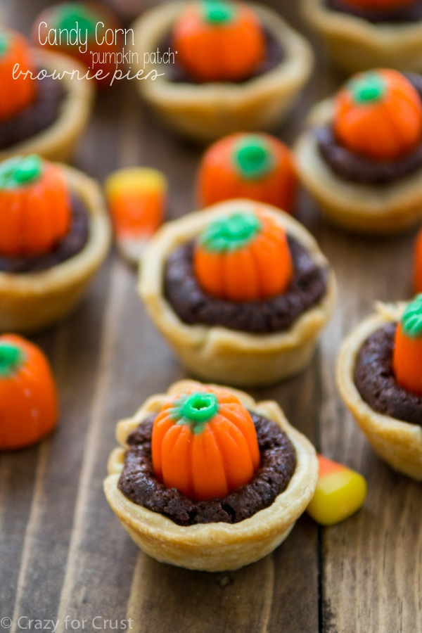 Candy-Corn-Pumpkin-Brownie-Pies