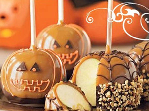 Love this Pumpkin Halloween caramel apples!