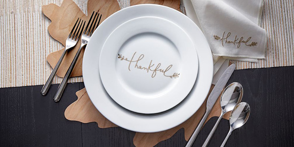 Love these Thankful Thanksgivign Place settings
