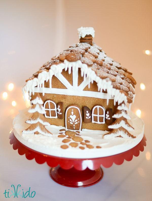 Darling Gingerbread House!
