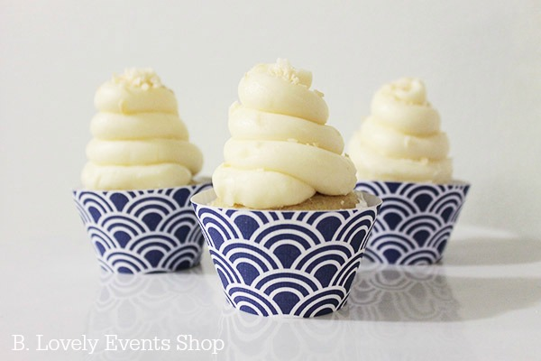 Modern Blue Wave Pattern Cupcake Wrappers