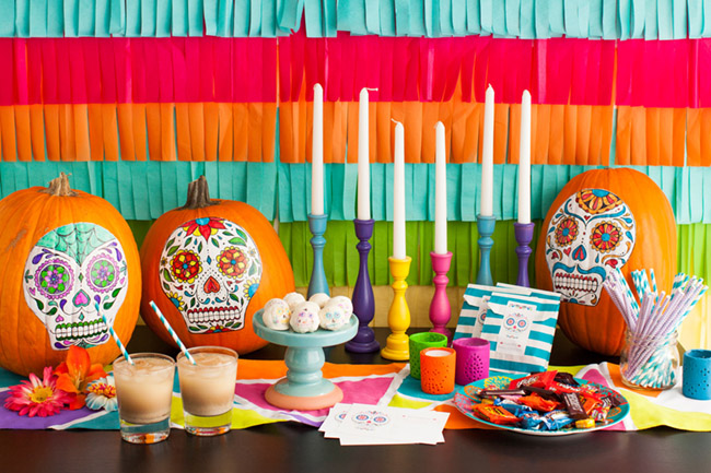 love these dia de los muertos party decorations
