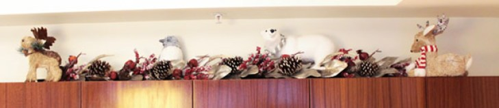 Christmas home decor- See more holiday home tour on B. Lovely Events
