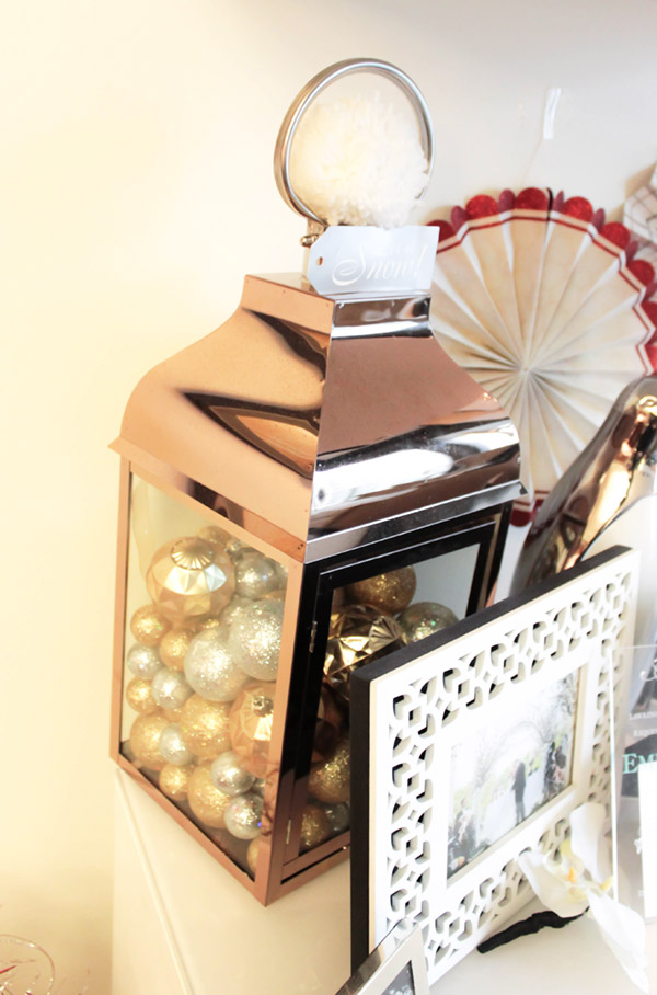Copper lanterns make gorgeous Christmas decor- See more Holiday home tour on B. Lovely Events
