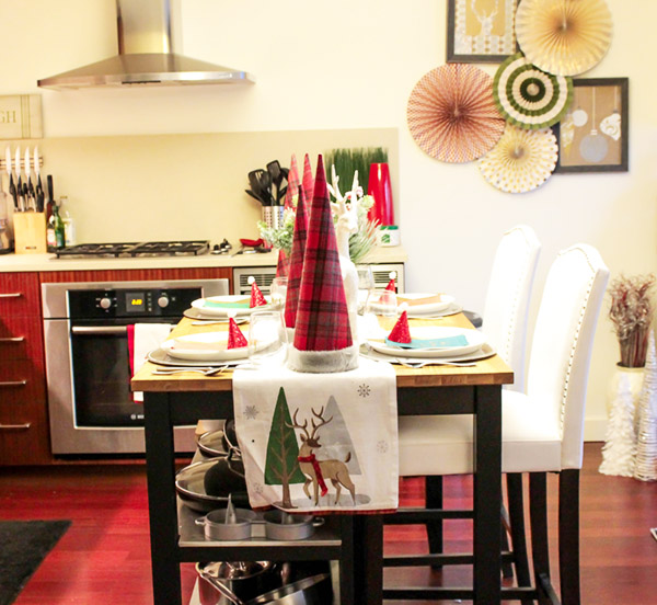 Holiday Tablescape- See more holiday home tour on B. Lovely Events