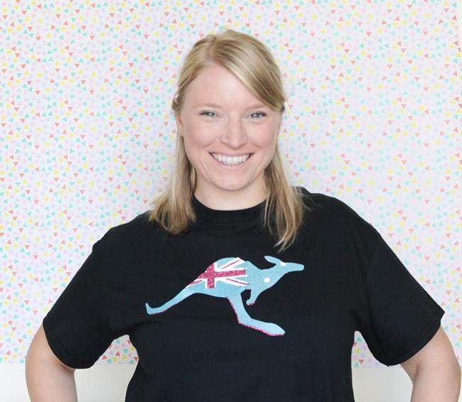 DIY Kangaroo Australian Flag Shirt - Too Cute! See how to make it on B. Lovely Events
