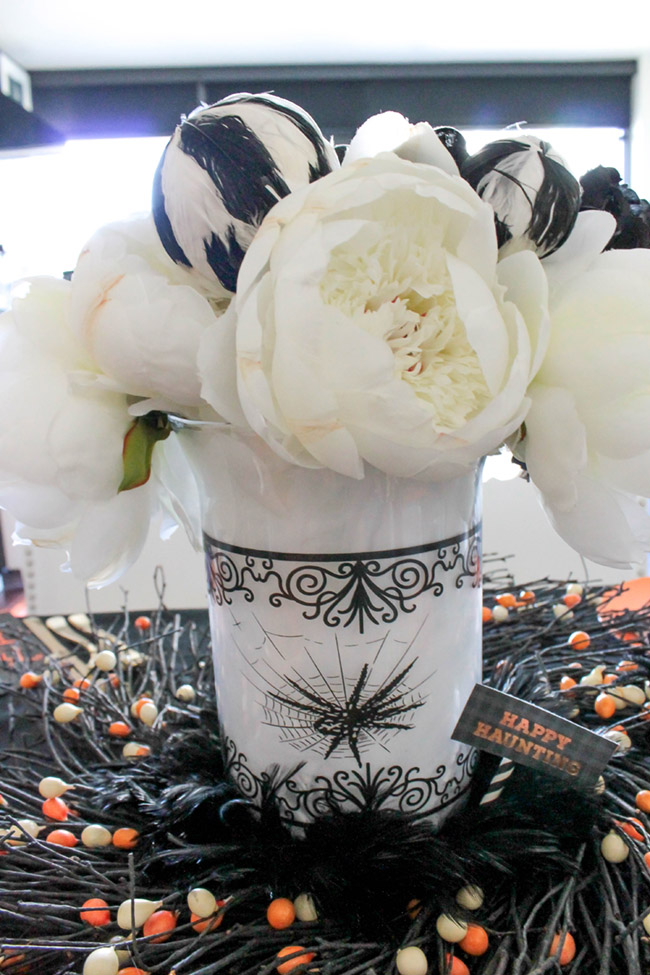 Love this fun chic Halloween Centerpiece- See All Of The Lovely Details On B. Lovely Events