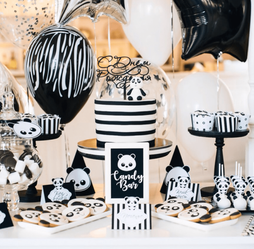Love all of the details of this panda party-See more Panda Party ideas on B. Lovely Events