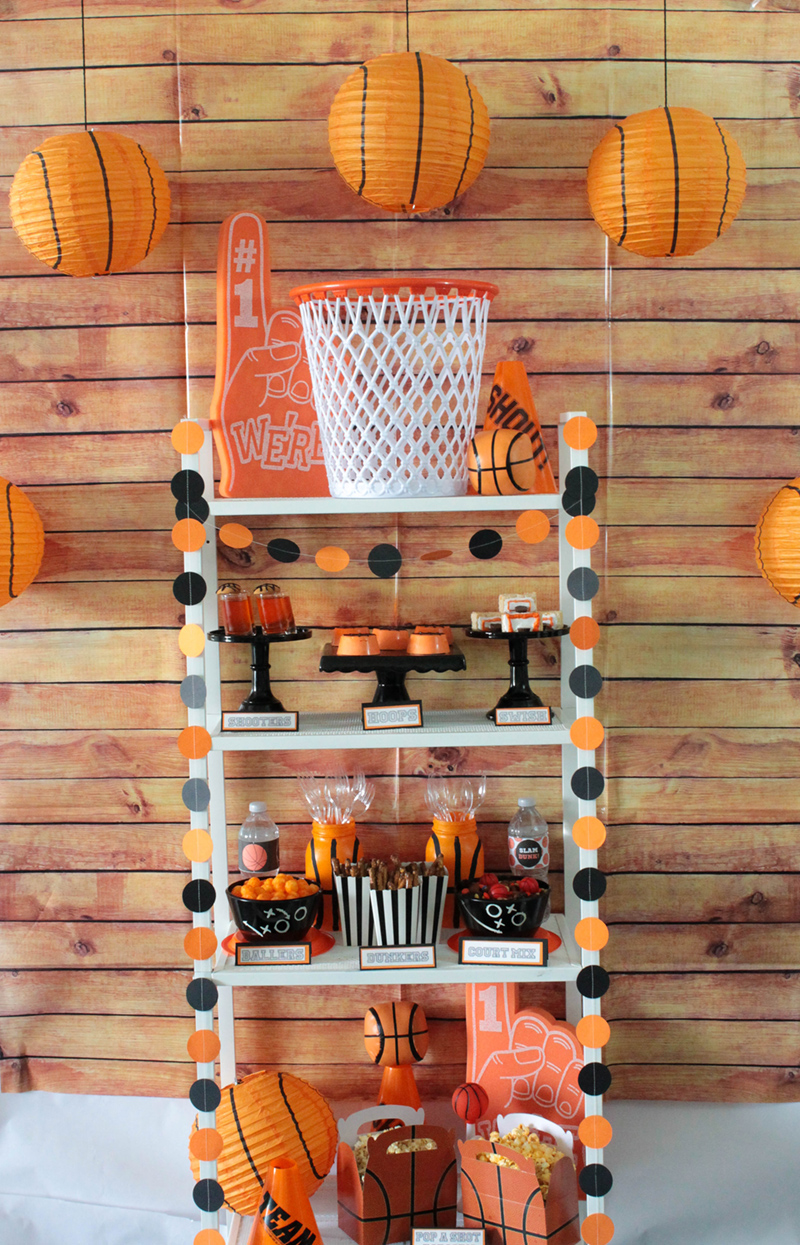 This Basketball party is a slam dunk! #basketball #basketballparty #basketballideas