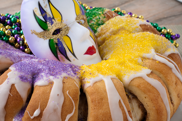 King cake for Mardi Gras- blovelyevents.com