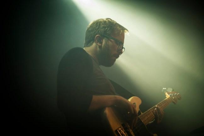 貝斯手 John Davis,攝於今年 Nerve 世界巡迴倫敦場。(Photo Credit:Imre Barta)