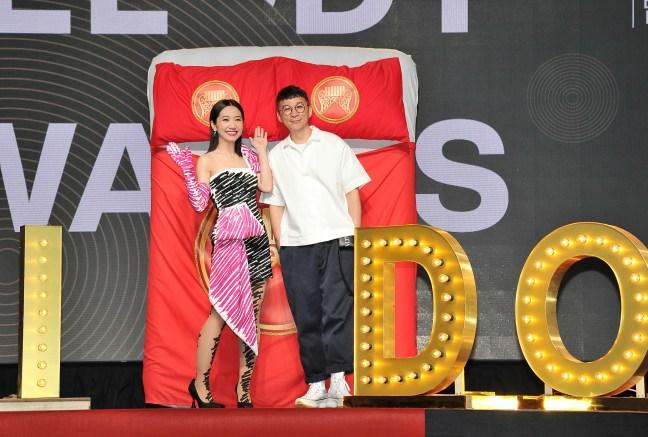 金曲30典禮主持人Lulu 黃路梓茵和金曲典禮總製作人陳鎮川