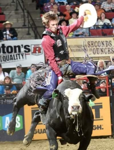 bull rider mason lowe