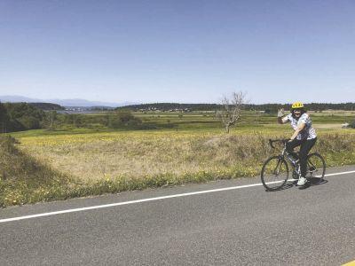 bike riders get triple