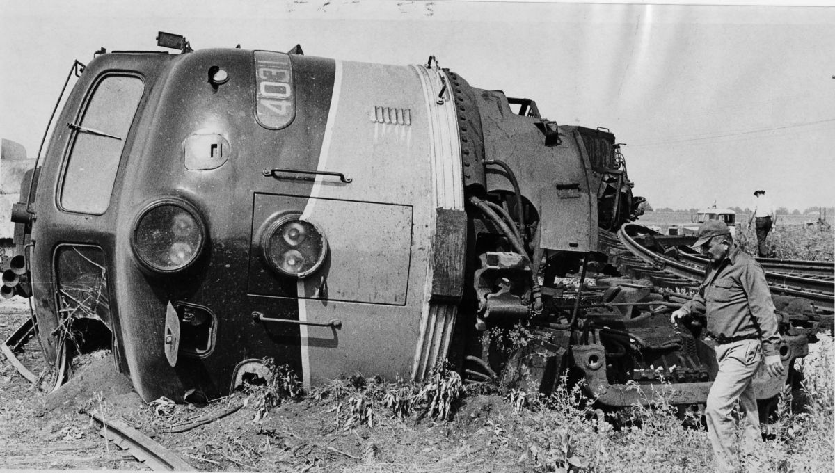 Photos Railroad Wrecks Before 1980 History Photo Galleries Herald Review Com