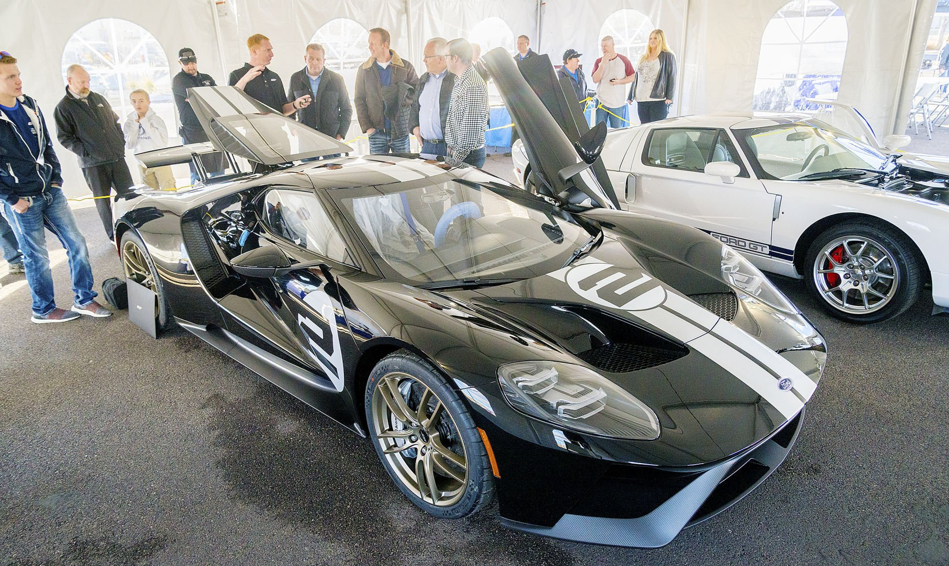 a 1 ford gt sells for half million 2 [ 1200 x 716 Pixel ]