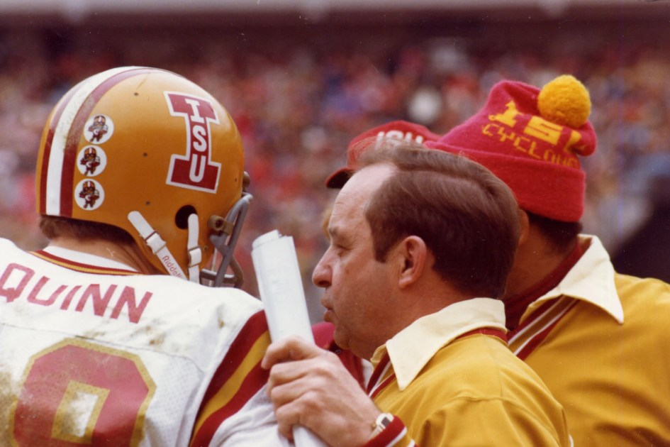 Earle Bruce A Legendary Coach At Iowa State And College