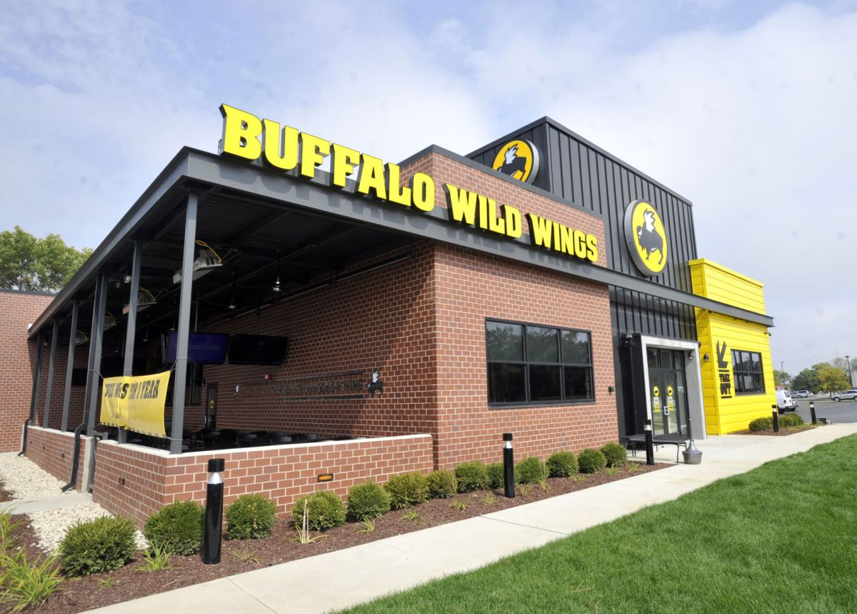 Man Charged Heroin Overdose Buffalo Wild Wings