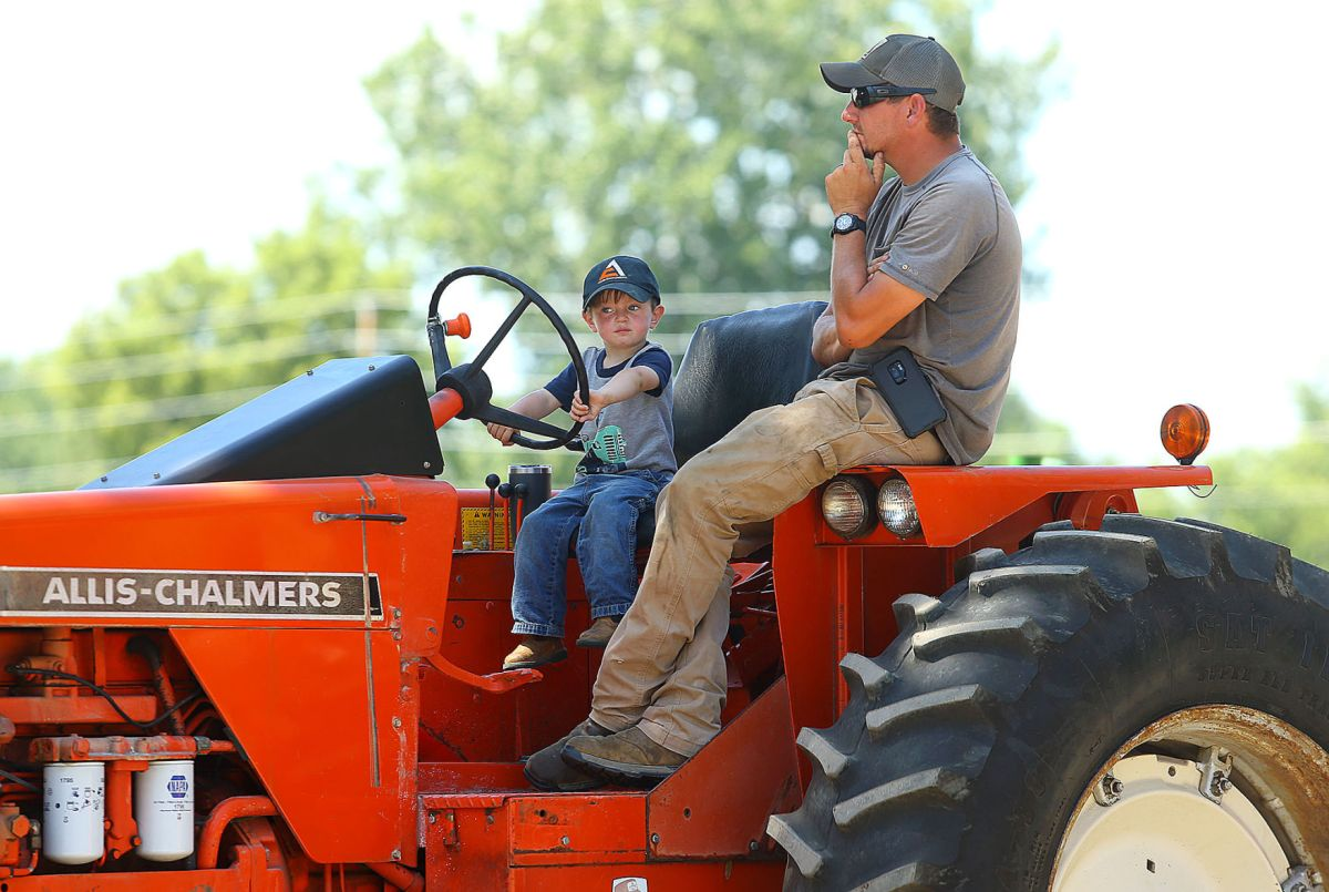 Check out the best tractor models to buy used, and get started on your exciting tractor projects. Mid America Threshing And Antique Tractor Show News Kokomotribune Com