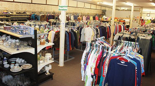 Volunteers remodel Smith Chapel thrift store News